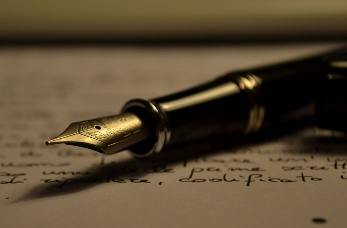 Med påholden penn